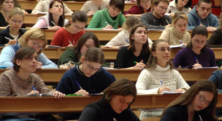 La universidad española ya exige dominar el inglés